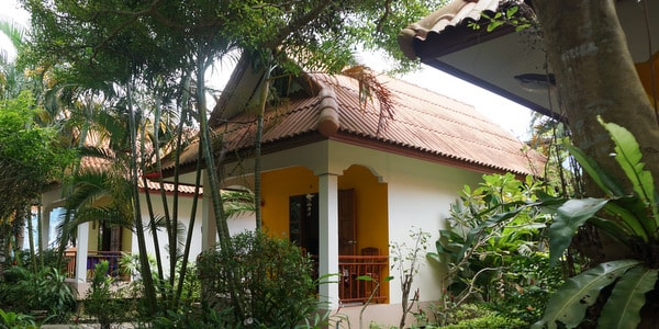 20-room-resort-sale-koh-chang-bungalow-front