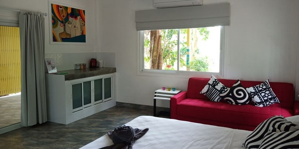 bed-breakfast-koh-chang-land-sale-family-house-interior