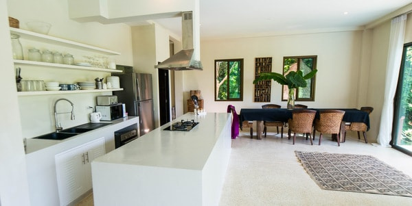 Balinese-villa-sale-koh-chang-view-dining-area