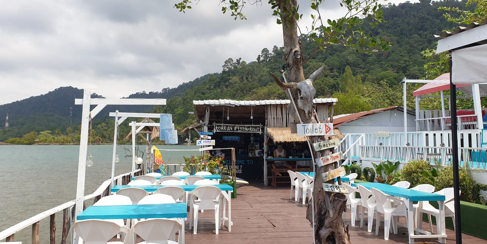 seafront-bungalows-resort-restaurant-sale-koh-chang-west-coast-1-4