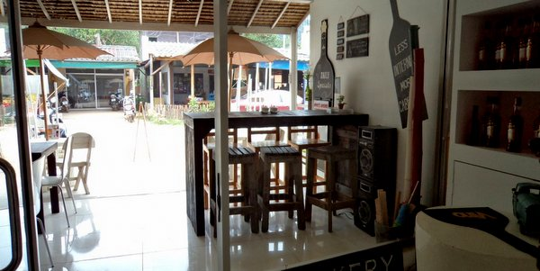 business-for-sale-koh-chang-coffee-shop-wine-bar-002