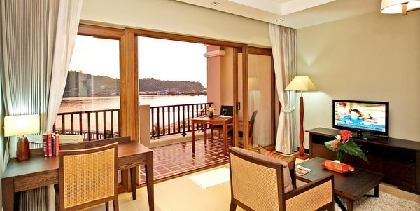 one-bedroom-condos-sale-koh-chang-living-room