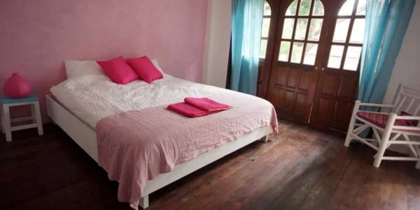 guesthouse-bar-restaurant-sale-koh-chang-room-interior-2