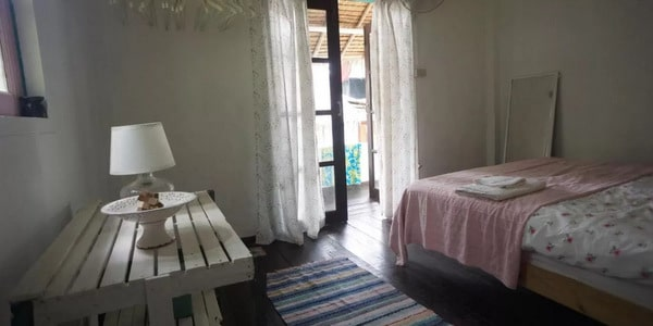 guesthouse-bar-restaurant-sale-koh-chang-room-interior-5