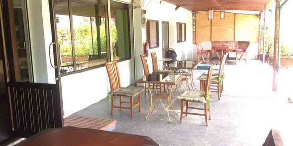guesthouse-suite-restaurant-sale-koh-chang-seating