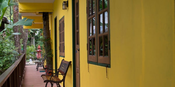 homestay-cafe-sale-koh-chang-exterior-2
