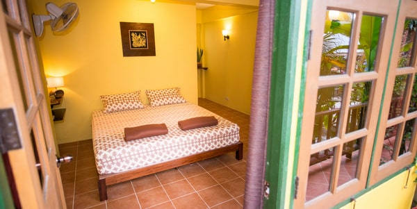 homestay-cafe-sale-koh-chang-guest-room-4