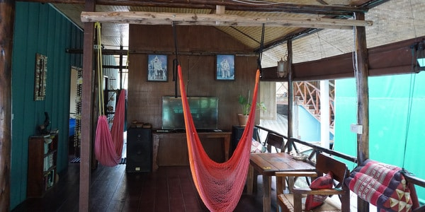 homestay-guesthouse-pizzeria-sale-koh-chang-sitting-area