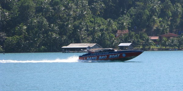 island hopping speedboat
