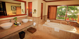 emerald-cove-koh-chang-bathroom