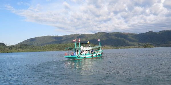 snorkeling-boat-trips things to do on Koh Chang